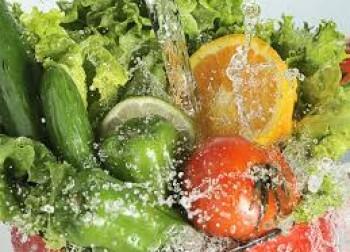 ¿Cómo lavar las frutas y las verduras?